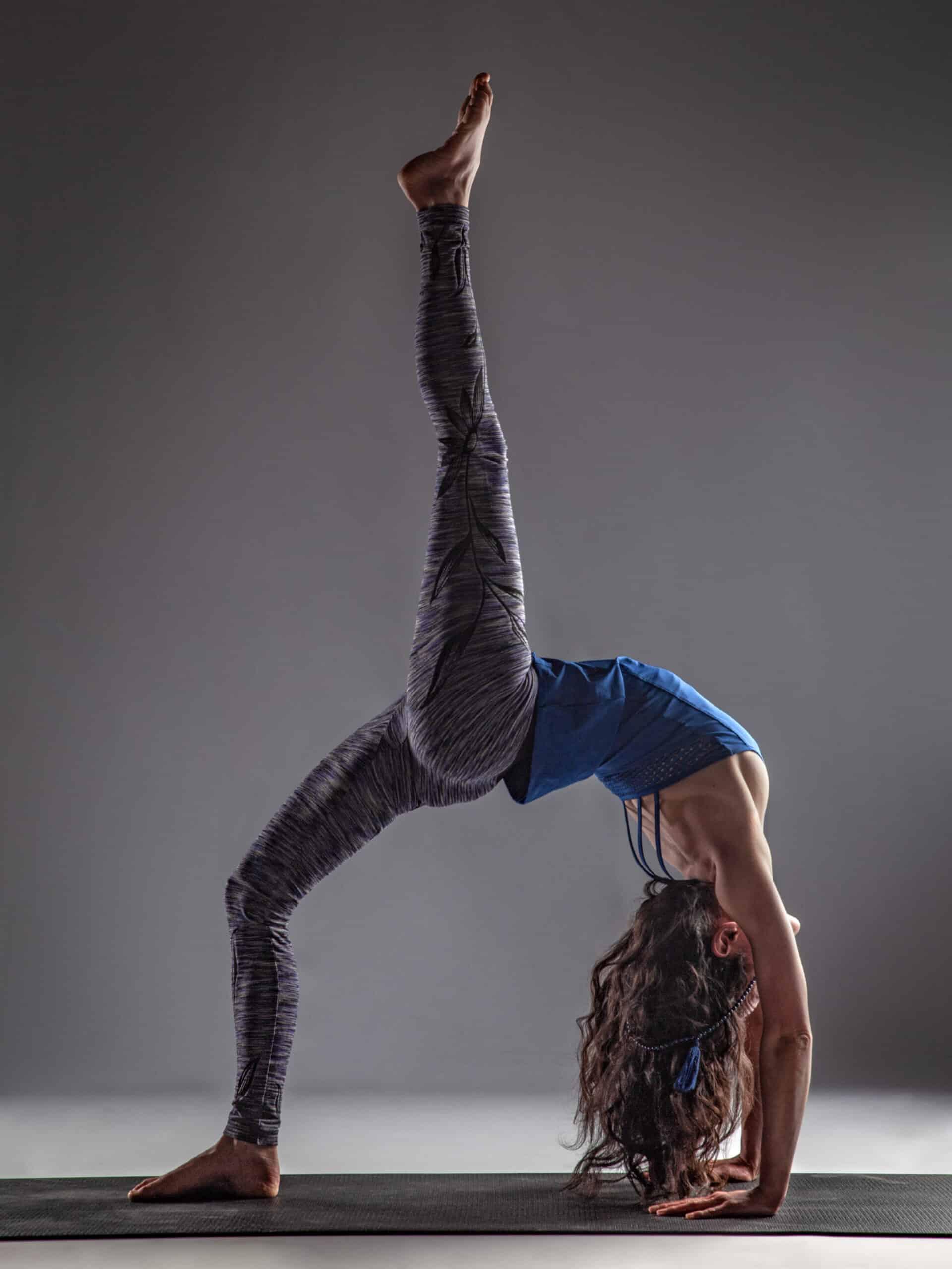 posture de yoga eka pada urdhvadhanurasana